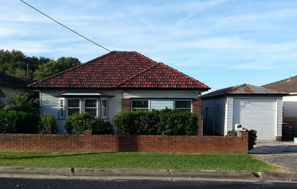 Photo of Waratah House Before Makeover by BRW Constructions